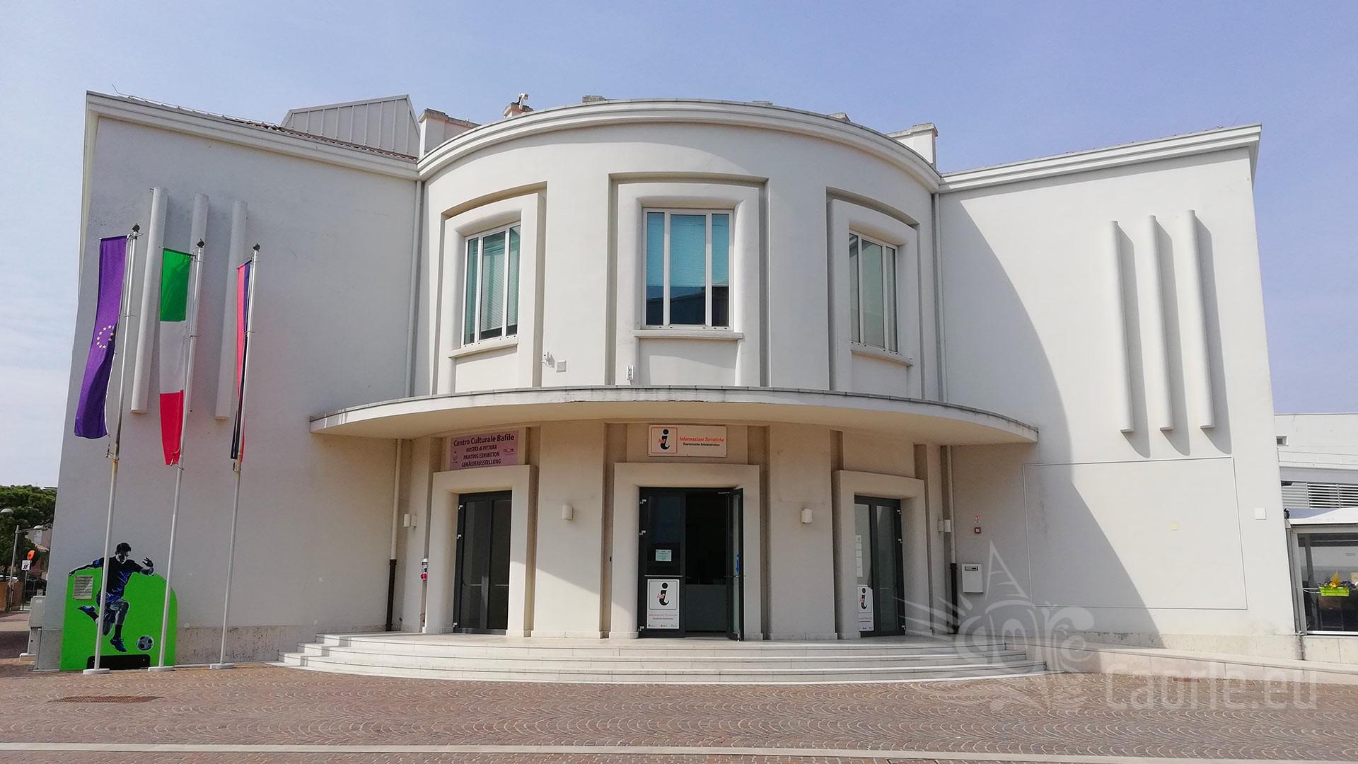 In Ufficio Turismo : L ufficio turismo si trasferisce in via dei macelli u linea libera